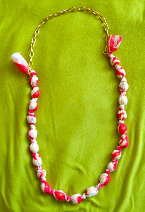 beaded fabric necklace DIY